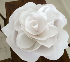 I love to rise to a challenge so I agreed to quote on some enormous paper flowers for Australia Fashion Week.  I reluctantly had to pu...