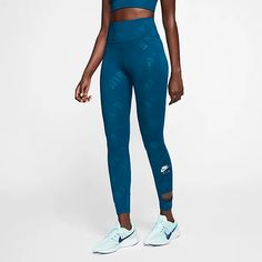 Teal or black, cant go wrong with these! Legging Outfits, Nike Outfits, Sporty Outfits, Athletic Outfits, Workout Outfits, Tie Dye Leggings, Tight Leggings, Nike Air Damen, High Waisted Tights