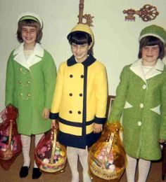 +~ Vintage Color Photograph ~+  Susie, Sharon and Sally ~ Easter 1969