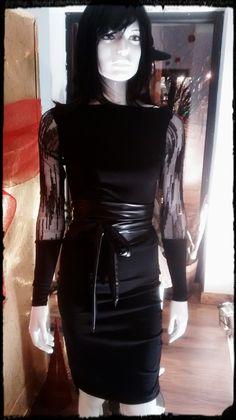 349f8cf677fa7 Créatrice Mode: Lydianne Morency Boutique Atelier Vilaine & Vilain (819)  987-1387 Robe Lolla avec manche à paillettes. Disponible aussi avec manche  dentelle ...