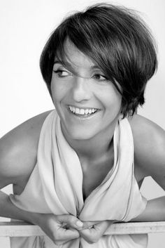 ♥ Florence Foresti !! Florence Foresti, née le 8 novembre 1973 à Vénissieux, est une humoriste et actrice française. Wikipédia