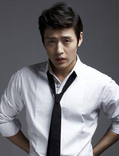 "Actor Kang Ha Neul Confirmed to Star in His First-Ever Play ""Harold & Maude"" Kang Haneul, Lee Jung, First Ever, Moon Lovers, Korean Actors, Korean Dramas, Asian Men, Love Of My Life, Kdrama"