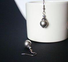 Silvery moon Silver grey earrings Beaded by MonistoJewelry on Etsy