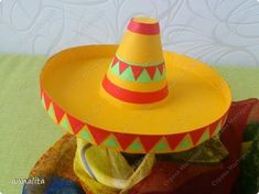 New and easier way to make a paper pumpkin Mexican Crafts Kids, Fun Crafts For Kids, Diy For Kids, Diy And Crafts, Hat Crafts, Mexican Birthday, Mexican Party, Mexican Costume, Paper Quilling Patterns