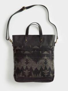 monument laptop bag / the portland collection from pendleton Pendleton Woolen Mills, Louis Vuitton Artsy, Prada Bag, Beautiful Bags, Laptop Bag, Travel Bags, Bag Making, Leather Bag, 3 D