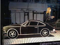 Campagne de Pub dans les vitrines du BHV ; Catherine Deneuve et Marjane Satrapi