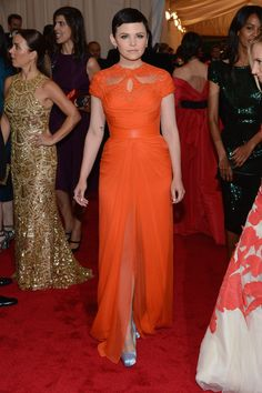 I've seen her hair look better, but Ginnifer Goodwin found something magnificent in this Monique Lhullier