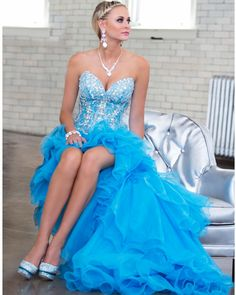Cool Collection by Tony Bowls is a GORGEOUS high low prom dress that will make you feel not only like a princess on your prom day but it will have a little unique twist to it with the layered ruffled high low skirt. Prom Dress 2014, Pretty Prom Dresses, Prom 2014, Elegant Dresses, Formal Dresses, Dresses 2014, Tony Bowls, Terani Couture, Mode Shop