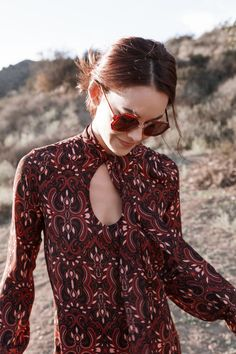 A retro inspired dress from Nasty Gal! #womensfashion #nattygal #spon #print Gypsy Style, Bohemian Style, Boho Chic, Hippie Style, Estilo Boho, Hippie Chic, Love Fashion, 70s Fashion, Womens Fashion