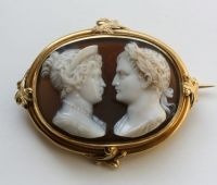 This agate cameo represents Napoleon and Marie Louise at their wedding in 1810 in a mounting dating circa 1840, possibly commemmorative.