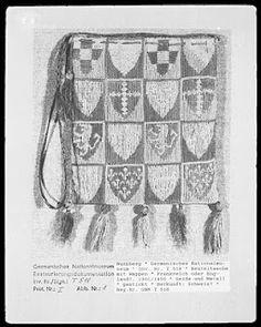 14th century heraldic pouches