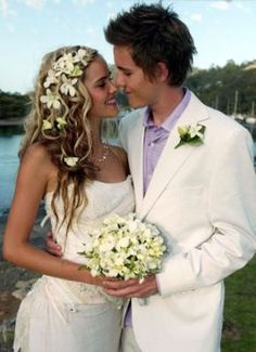 love the hair worn down for the wedding and the flowers! looks so natural. i'd love to look like this bride Beach Wedding Hair, Wedding Vows, Chic Wedding, Wedding Styles, Dream Wedding, Pretty Hairstyles, Wedding Hairstyles, Groom Buttonholes, Best Tv Couples