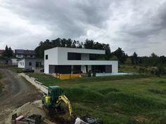 Minimal Architecture, Amazing Architecture, Architecture Design, Cute House, My House, Building Design, Building A House, L Shaped House, Modern House Plans