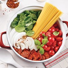 Spaghetti with tomatoes, spinach and chorizo - Je Cuisine - One pot pasta The trend of the hour has everything to please! Simple and economical, one pot pasta - Coconut Milk Nutrition, Pasta Nutrition, Broccoli Nutrition, Cheese Nutrition, Nutrition Shakes, One Pan Pasta, How To Cook Pasta, Pot Pasta, Healthy Pastas