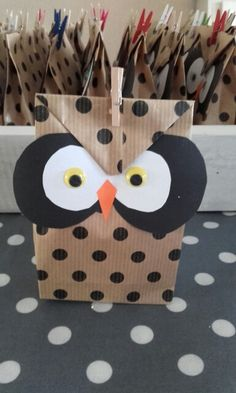 Kids Fathers Day Crafts, Crafts For Kids, Party Food And Drinks, Party Snacks, Owl Treat Bags, Healthy Treats For Kids, Market Day Ideas, School Birthday, School Treats