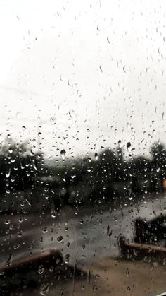 Rain Photography, Aesthetic Photography Nature, Rainy Wallpaper, Wallpaper Backgrounds, Sky Aesthetic, Aesthetic Movies, Cool Instagram Pictures, Wallpaper Animes, I Love Rain