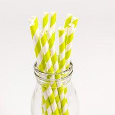 Très Tendance ces Pailles rayures vert anis! Jouez avec les couleurs et assortissez dans différentes teints flashy.