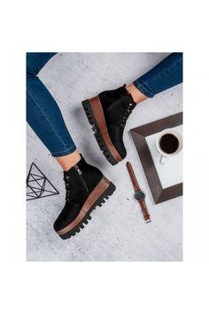 Čierne topánky s hrubou platformovou podrážkou Kylie K1718404NE Chelsea Boots, Clogs, Fashion, Clog Sandals, Moda, Fashion Styles, Fashion Illustrations
