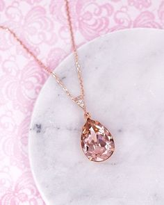 Vintage Rose Teardrop Crystal Necklace, Swarovski crystal jewelry, rose gold necklace, bridal shower gifts, bridesmaid wedding jewelry, www.glitzandlove.com #GoldJewelleryWedding #weddingjewelry
