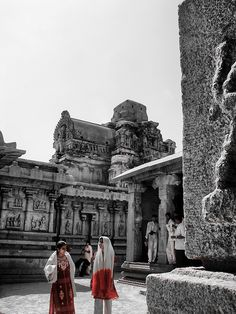 https://flic.kr/p/P378jx | Meeting | Hampi, India.   #Architecture #Colour #Photography  www.richardsugden.com  © Richard Sugden 2016 All rights reserved.