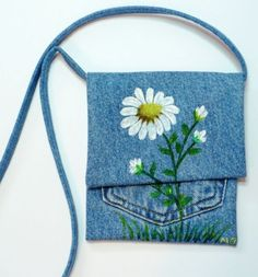 HAND PAINTED DAISIES ON DENIM PURSE by daisydes on Etsy, $15.00
