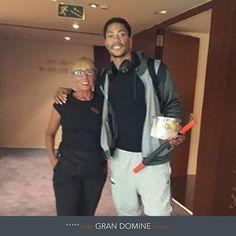 Recibimos la visita del jugador de la selección estadounidense de baloncesto Derrick Rose en el Gran Hotel Domine Bilbao. http://www.hoteles-silken.com/hoteles/gran-hotel-domine-bilbao/
