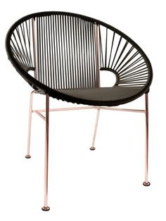 Innit Designs Concha Chair, Black Weave on Copper Frame. Made in Canada of entirely N; Am origin materials. Made of recycled steel and recyclable vinyl. Flexible yet durable vinyl cord weave. Contemporary Outdoor Lounge Chairs, Outdoor Dining Chairs, Outdoor Seating, Outdoor Furniture, Indoor Outdoor, Modern Furniture, Contemporary Patio, Deck Chairs, Lounge Furniture