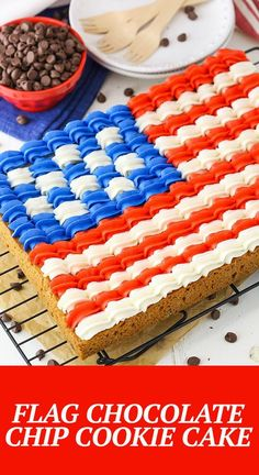 This Flag Chocolate Chip Cookie Cake is a classic 9×13 chocolate chip cookie that's decorated with buttercream in the design of the American flag for the 4th of July! It's delicious, easy to share and the perfect addition to your celebration! Cookie Cake Designs, Cookie Cake Decorations, Cookie Decorating, Cake Cookies, Cupcake Cakes, Cupcakes, American Flag Cookies, 4th Of July Desserts, Patriotic Desserts