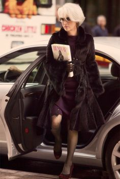 I want to look like her when I'm old (Meryl Streep as Miranda Priestly- The Devil Wears Prada) Miranda Priestly, Meryl Streep, Devil Wears Prada, Prada Outfits, Grey Hair, Mode Inspiration, Style Icons, Stylish, My Style
