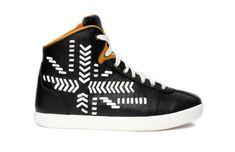 Alexander McQueen x Puma http://www.vogue.fr/mode/shopping/diaporama/skate-park-baskets-sneakers-tennis-couture/12613/image/743840#!alexander-mcqueen-x-puma