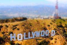 Welcome to Hollywood! What's yo dream!? Er'y body gotta dream!