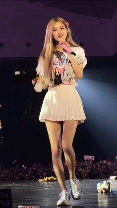 Coco Fashion, Girl Fashion, Auckland, South Korean Girls, Korean Girl Groups, Yg Entertainment, Rose Bonbon, Divas, Girls In Mini Skirts