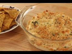 Amazing baked cheese dip with lots of cheese, sour cream, tomatoes, and fresh basil. Sanjeev Kapoor, Baked Cheese, Food Videos, Recipe Videos, Sour Cream, Mashed Potatoes, Macaroni And Cheese, Food To Make, Dips