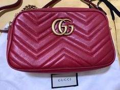 01e41a560 Bolsa Gucci Marmont Gg Original Vermelha Maravilhosa - R$ 4.900,00 em  Mercado Livre