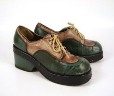 Platform Oxford Shoes Vintage 1970s Lace Up by purevintageclothing, $38.00