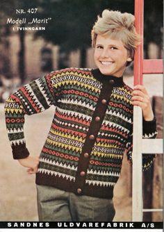 Marit i Peer Gynt eller Smart, gratisoppskrift på sandnesgarn. Embroidery Patterns, Knitting Patterns, Crochet Patterns, Ugly Sweater, Men Sweater, Norwegian Knitting, Old Magazines, Vintage Knitting, Color Combinations