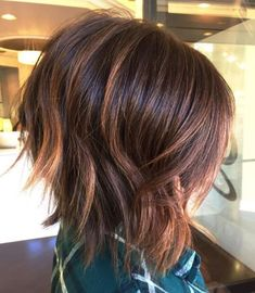 Jagged Layers and Copper Streaks - 70 Fabulous Choppy Bob Hairstyles – Best Textured Bob Ideas - The Trending Hairstyle - Page 16 Textured Bob Hairstyles, Choppy Bob Hairstyles, Easy Hairstyles For Medium Hair, Medium Hair Styles, Curly Hair Styles, Hair Medium, Layered Haircuts, Medium Curly, Short Wavy