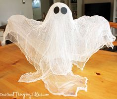 SPOOKY FLOATING CHEESECLOTH GHOST