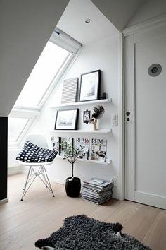 dachzimmer wandregale wandfarbe weiß