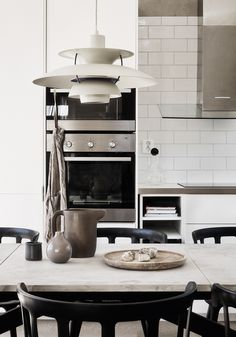 6 Eye-Opening Tips: Minimalist Interior Scandinavian Monochrome minimalist home tour dreams.Minimalist Interior Black Modern Kitchens minimalist home furniture chairs.How To Have A Minimalist Home Clutter. Minimalist Home Decor, Minimalist Kitchen, Minimalist Interior, Minimalist Bedroom, Minimalist Living, Home Interior, Interior Design Kitchen, Interior Modern, Interior Concept