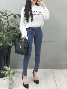 Korean Street Fashion - Life Is Fun Silo Korean Girl Fashion, Korean Fashion Trends, Korean Street Fashion, Ulzzang Fashion, Korea Fashion, Asian Fashion, Kpop Outfits, Casual Outfits, Cute Outfits