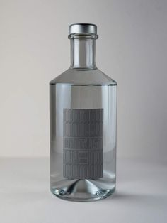 Brutalist Gin on Packaging of the World - Creative Package Design Gallery # Food and Drink logo bottle design Brutalist Gin Beverage Packaging, Bottle Packaging, Food Packaging, Alcohol Bottles, Liquor Bottles, Vodka, Gin Brands, Wine Bottle Design, Drinks Logo