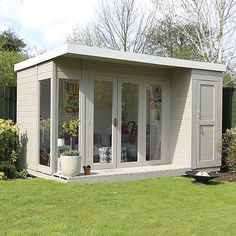 Urban Garden 12 x 8 Waltons Contemporary Summerhouse with Side Shed (RH) - This Waltons Contemporary Summerhouse is perfect for the warmer weather. Modern and practical, ideal for the family garden. Shed Design, House Design, Contemporary Garden Rooms, Contemporary Decor, Summer House Garden, Summer Houses, Summer Sheds, Garden Cabins, Casa Loft