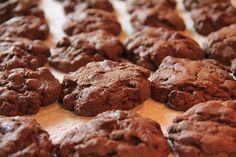 מחפשים משהו מתוק לנשנש? סידרנו לכם 6 מתכוני עוגיות מהירות, קלות והכי חשוב מ-3 מרכיבים בלבד! אם אתם חולים על עוגיות, אל תפספסו! כל מתכוני העוגיות בכתבה!