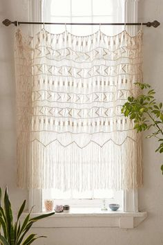 Instant Bohemian: A Dozen Inspired Ways to Decorate With Wall Hangings