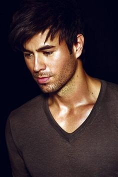 Enrique Iglesias Facial hair done well
