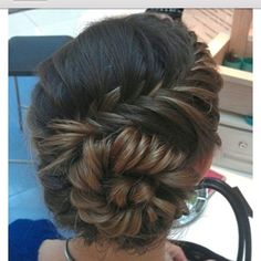 Bridesmaid hair idea.