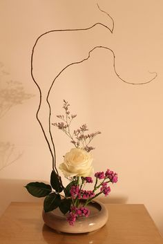 Ikebana - white rose, willow?