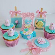 Bolo Da Peppa Pig, Bird Theme, Strawberry Cupcakes, Cake Pops, Oreo, Paper Flowers, Baby Shower, Diy, Garden Birthday Parties