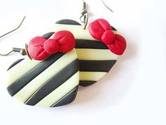 Black and white Heart earrings Polymer clay Hand by ThekawaiiOD,